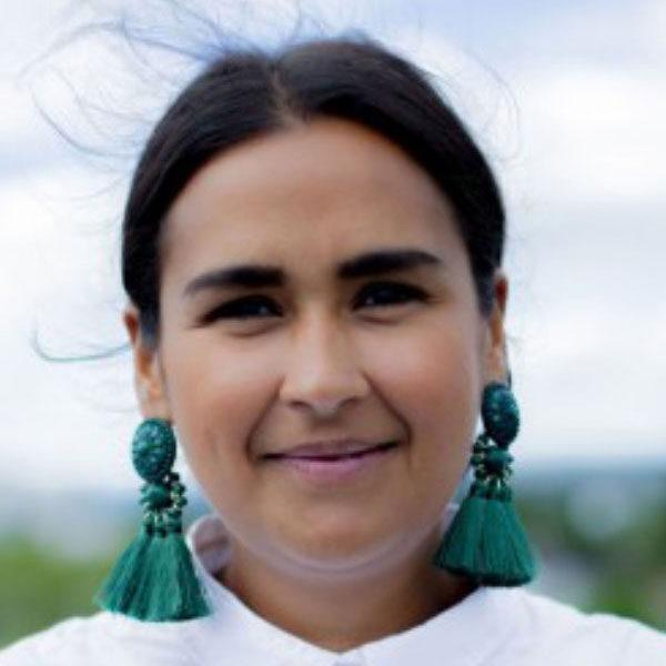 Nora Ibrahim, portrett